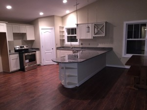 New Home Build by General Contractor Loudoun Contracting - Kitchen with Hardwood and Granite